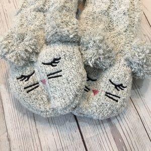 NWT Fuzzy Cat Kitten Slipper Fleece Lined Socks